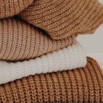 Mekani i topli džemperi biće outfiti koji će biti hit jeseni 2021